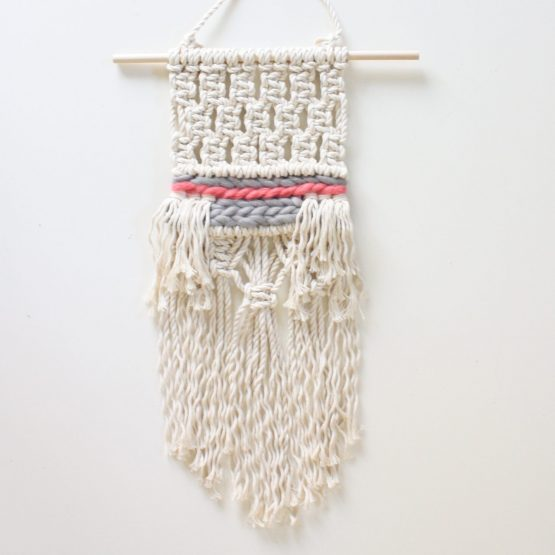 Mini Macramé-Wall-Hanging